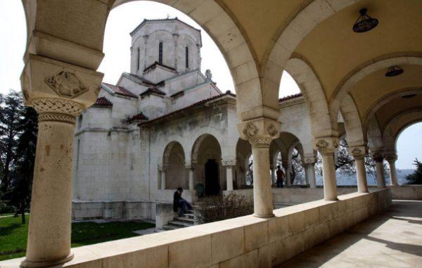 Королевская часовня в Белграде