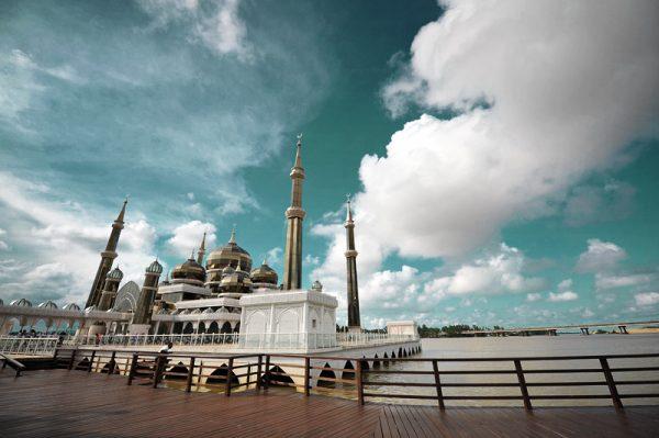Кристальная мечеть на острове Вон Мэн