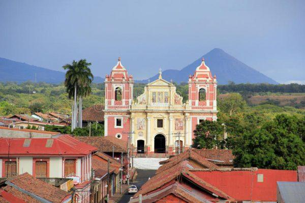 Леон — бывшая столица республики Никарагуа