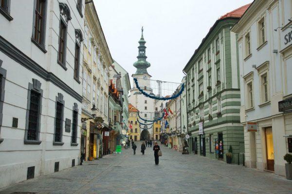 Михайловские ворота с башней в Братиславе