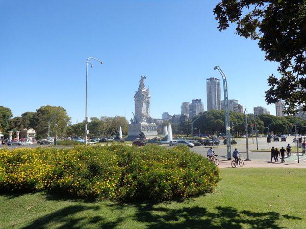 Монумент в Буэнос-Айресе