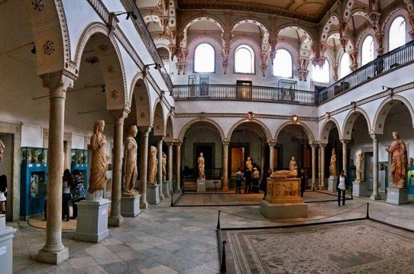 Национальный музей Бардо недалеко от Туниса