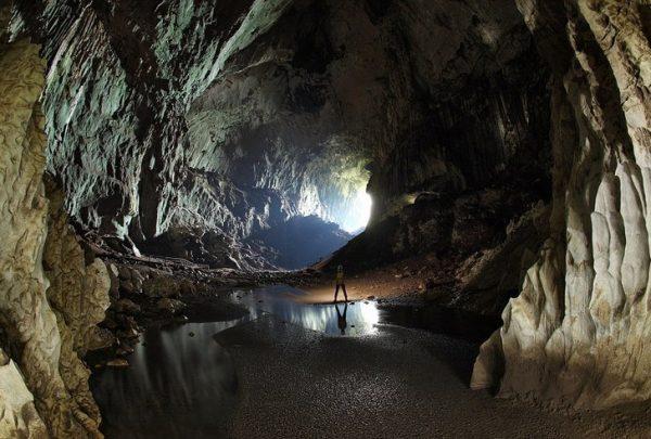 Одна из пещер в парке Гунунг-Мулу
