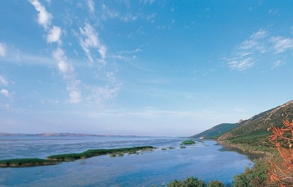 Озеро Ишкёль в национальном парке Туниса