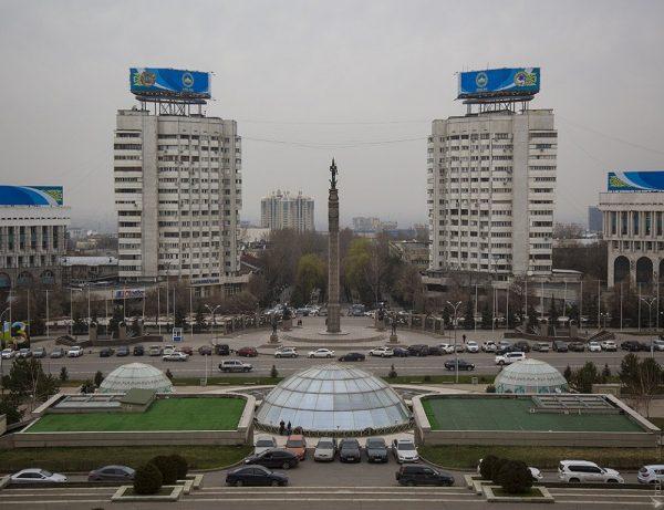 Площадь Республики в Алматы