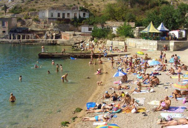 Пляж Балаклавы в летнее время