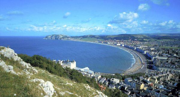 Прибрежный курорт Лландидно в Уэльсе