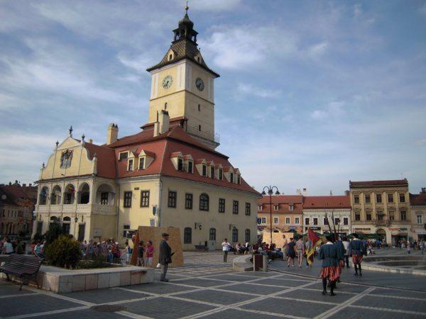 Ратушная площадь в Брашове