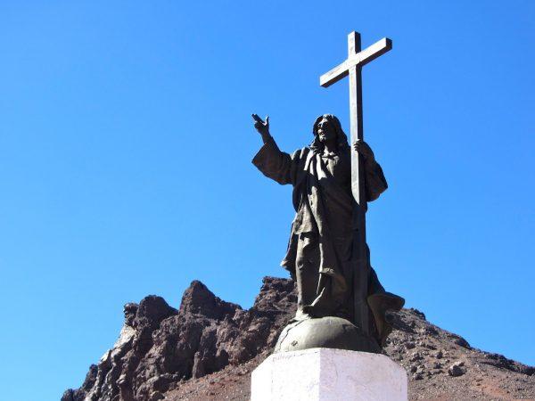 Статуя Христа на границе Аргентины и Чили