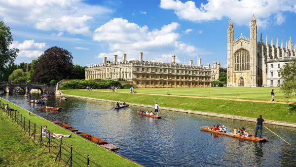 Вид на Кембриджский университет
