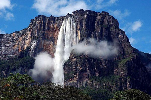 Вид на водопад Анхель в Венесуэле