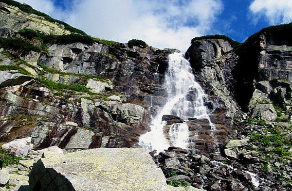 Водопад Скок недалеко от озера Штрбске-Плесо