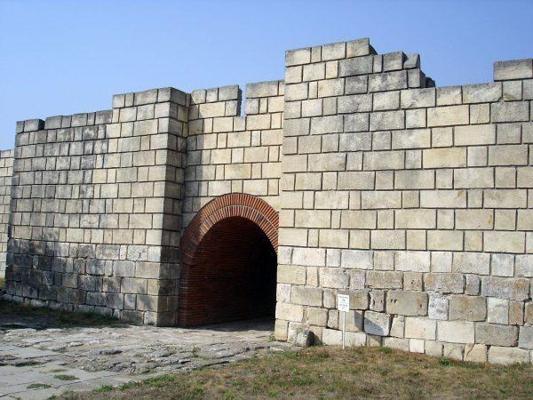 Ворота древнего города Плиска