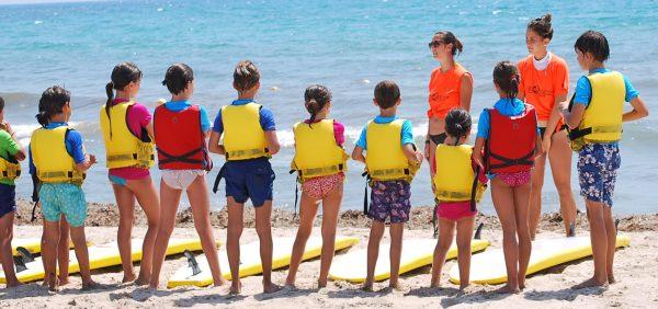 Занятия сёрфингом для детей