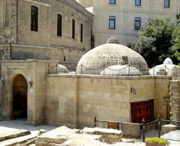 Баня Гаджи Гаиба в Баку