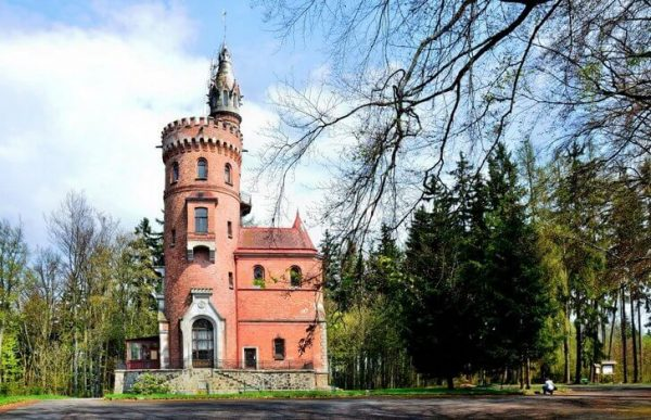 Башня Гёте недалеко от Карловых Вар