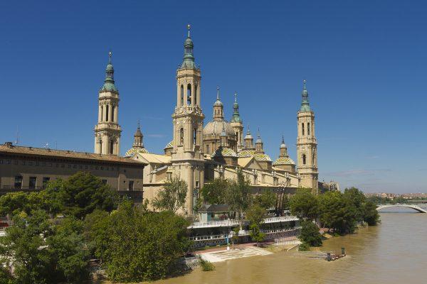 Базилика Нуэстра-Сеньора-дель-Пилар в Сарагосе