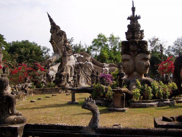 Будда-парк недалеко от Вьентьяна
