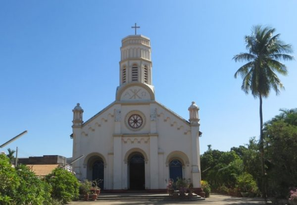 Церковь св. Терёзы в городе Саваннакхет