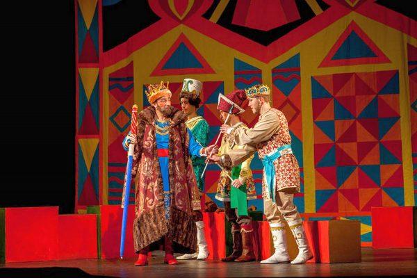 Детский спектакль в театре оперетты Пятигорска