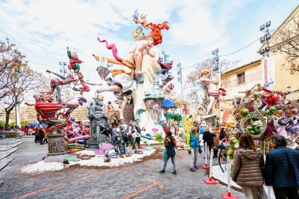 Фестиваль огня Фальяс