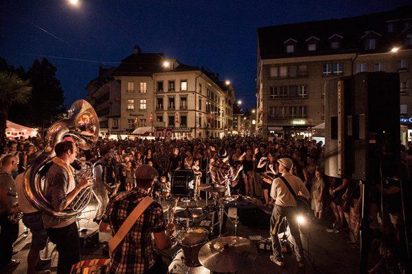 Фестиваль уличных артистов в Берне
