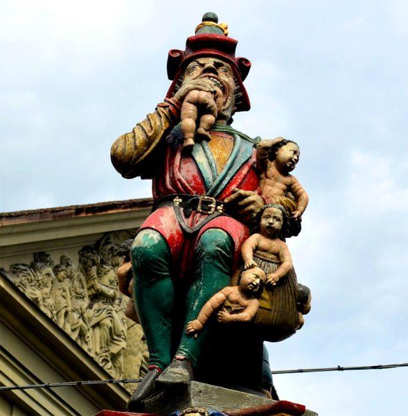 Скульптура фонтана «Пожиратель детей»