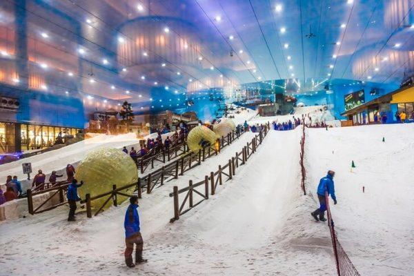 Горнолыжный центр «Ски Дубай» в ТРЦ Dubai Mall