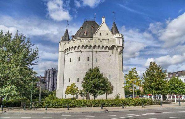 Халлепорт в Брюсселе