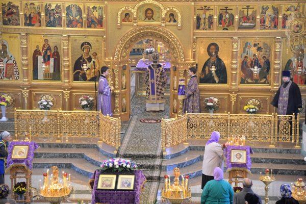 Иконостас Свято-Троицкого собора