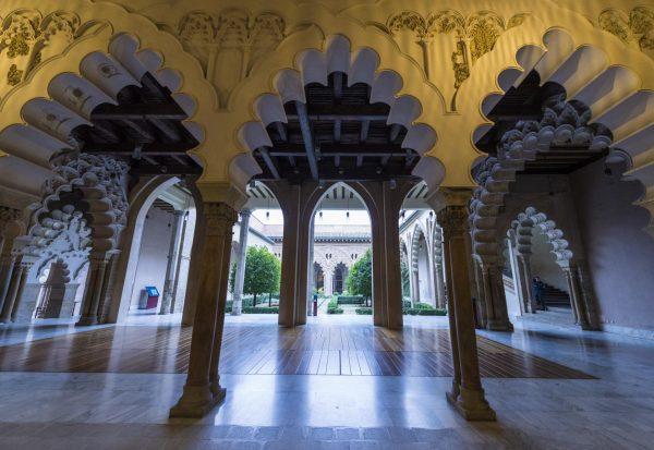 Интерьеры дворца Альхаферия в Сарагосе
