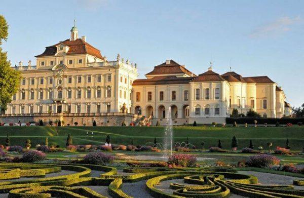 Людвигсбургская резиденция недалеко от Штутгарта