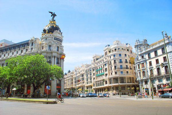 Улица Гран-Виа в Мадриде