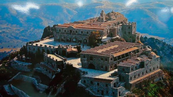 Монастырь Ставровуни недалеко от Ларнаки