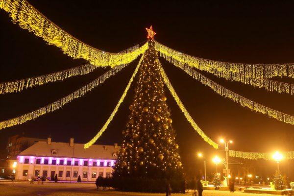 Новогодняя ёлка на площади Ленина в Гродно