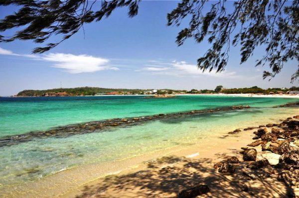 Один из пляжей Тринкомале