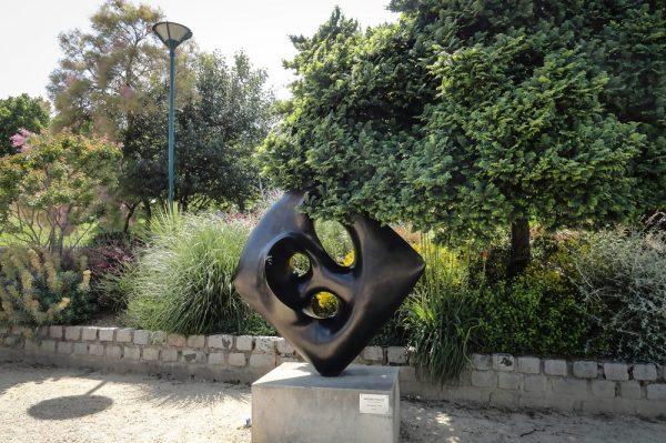 Одна из скульптур музея Тино