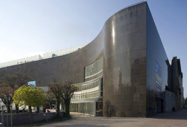 Одно из зданий Художественного собрания в Дюссельдорфе
