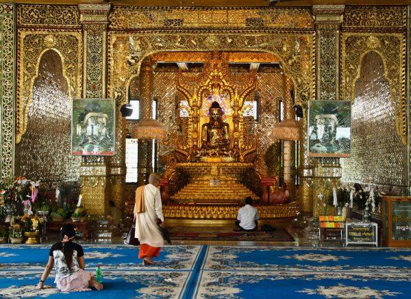Пагода Ботатаунг внутри
