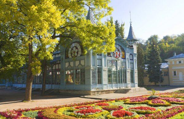 Галерея Лермонтова в парке «Цветник» в Пятигорске