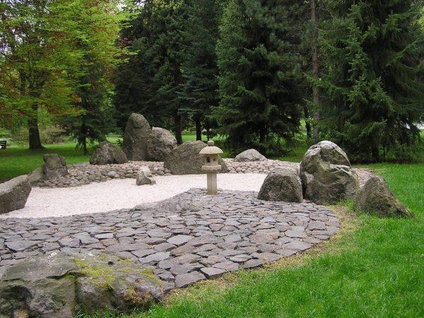 Парк камней Japonska Zahrada в Карловых Варах