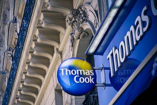 Вывеска обменного пункта Thomas Cook