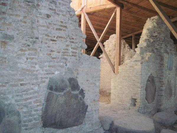 Руины Нижней церкви