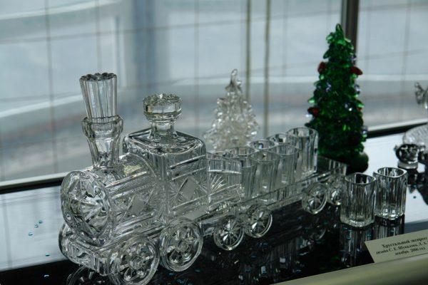 Сувенирный набор из хрусталя, созданный на Дятьковском хрустальном заводе