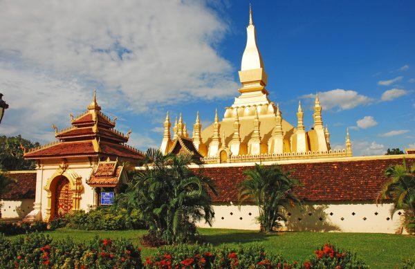 Тхат-Луанг недалеко от столицы Лаоса