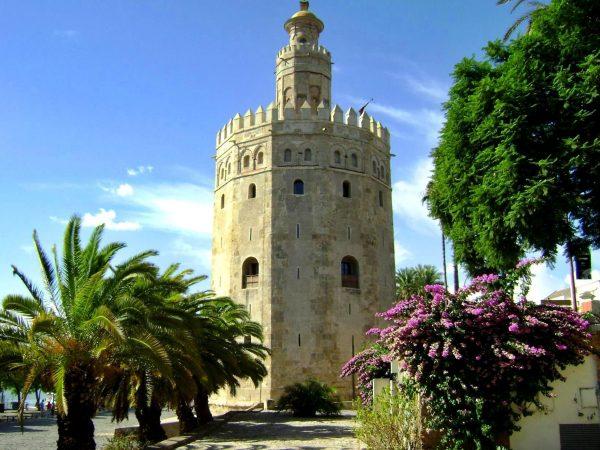 Торре-дель-Оро в Севилье
