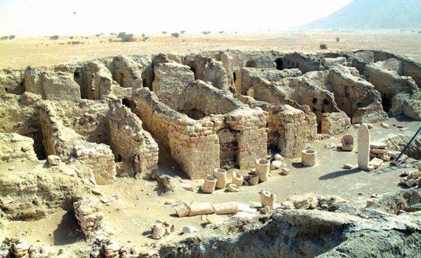 Древний караванный пункт Карьят-эль-Фау