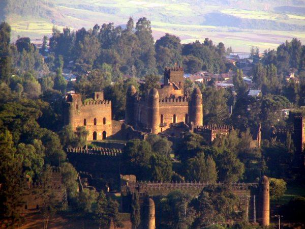 Вид на замок в городе Гондэр