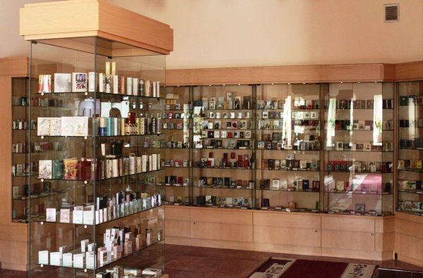 Зал Бакинского музея миниатюрных книг