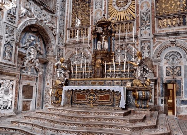 Алтарь в церкви Санта-Катерина в Палермо